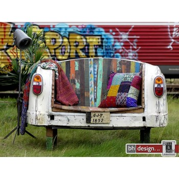 Taxi Bank oder Sofa by Canett Design shabby look das Heck vom Volvo P 120 Bj. 1960
