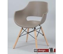 Emma  Schalenstuhl 2 - er Set aus hochwertigem Kunststoff mit Holzspinnengestell